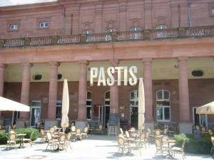 Leuchtbuchstaben - Pastis 2