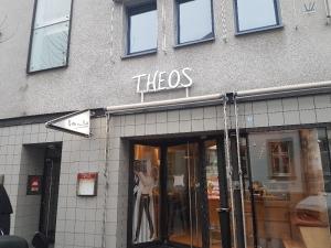 Leuchtbuchstaben - Theos