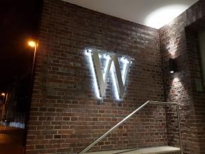 Leuchtbuchstaben - W